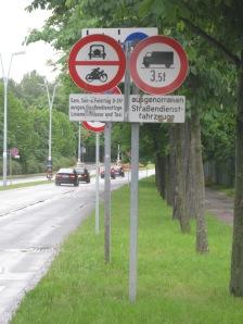Übersehen kann man dieses Fahrverbot kaum – aber absichtlich ignorieren