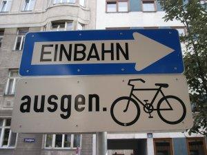 Radfahren gegen die Einbahn ist eine einfache und wirkungsvolle Maßnahme