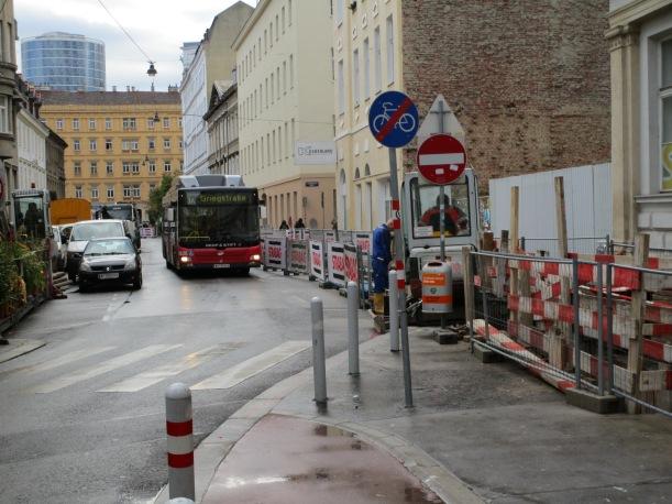 """Dieses """"Radweg Ende""""-Schild auf Höhe Gr. Sperlgasse wird bald Vergangenheit sein"""